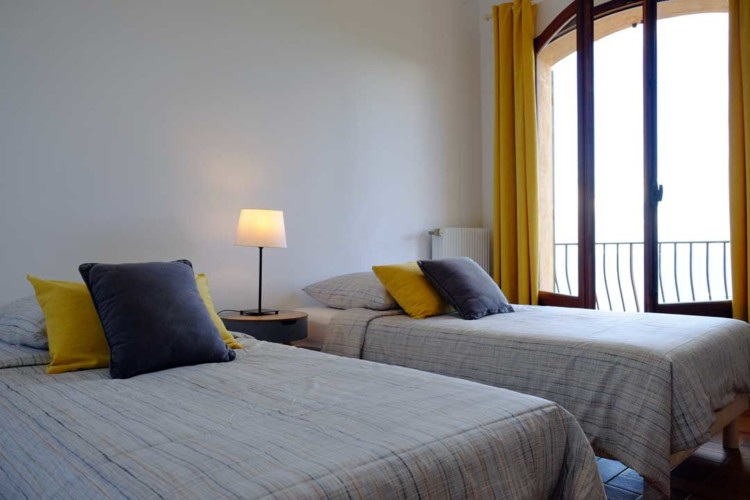 Villa de Vacance avec piscine à Théoule Sur Mer près de Cannes (chambre vue mer avec 2 lits)