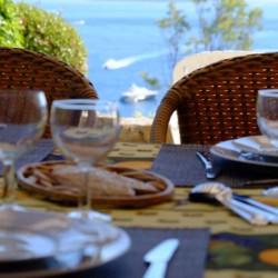 Villa de Vacance avec piscine à Théoule Sur Mer près de Cannes (table sur terrasse extérieure)