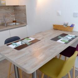 Location petite maison de vacances à Saint Mandrier sur mer, Var (83) : Cuisine, table